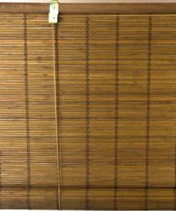 Voorkant van het bamboe rolgordijn bruin