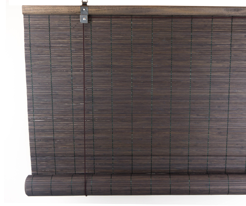 Voorkant van het donkerbruine bamboe rolgordijn