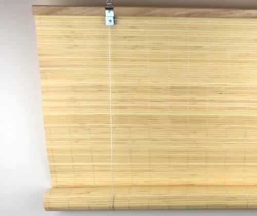 Voorkant van het bamboe rolgordijn natuur