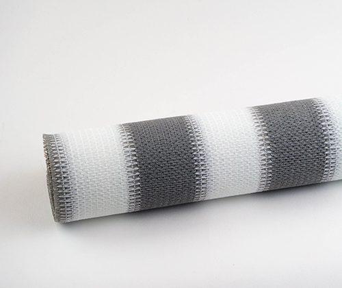 Buitenrolgordijn grijs/wit opgerold