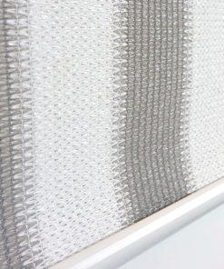 Buitenrolgordijn grijs/wit detailfoto